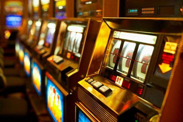 Кто придумал игровые автоматы